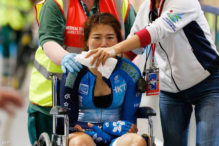 A hongkongi versenyzőt is ápolni kellett az ütközés után