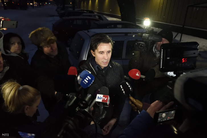 Czeglédy Csaba nyilatkozik miután elhagyta a Szegedi Fegyház és Börtönt 2018. március 1-jén.