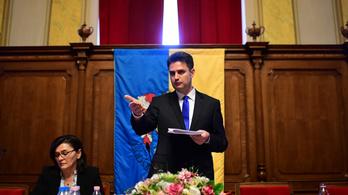 Önkormányzati lakáseladással támadja a hódmezővásárhelyi Fidesz Márki-Zay Pétert