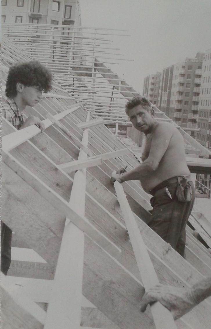 A Káposztásmegyeri lakótelep építése a 43-as Állami Építőipari Vállalat üzemi lapjának fotóján