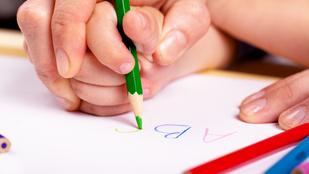 Izgalmas, miért írják fordítva a gyerekek a betűket