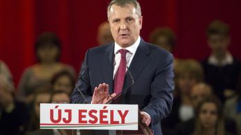 Az MSZP-elnök a legesélyesebb ellenzéki a kerületében, de messze van a Fidesztől