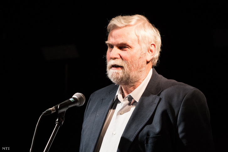 Mellár Tamás közgazdász felszólal a Közös Ország Mozgalom választási nagygyűlésén Budapesten, a Gödör Klubban 2017. november 18-án