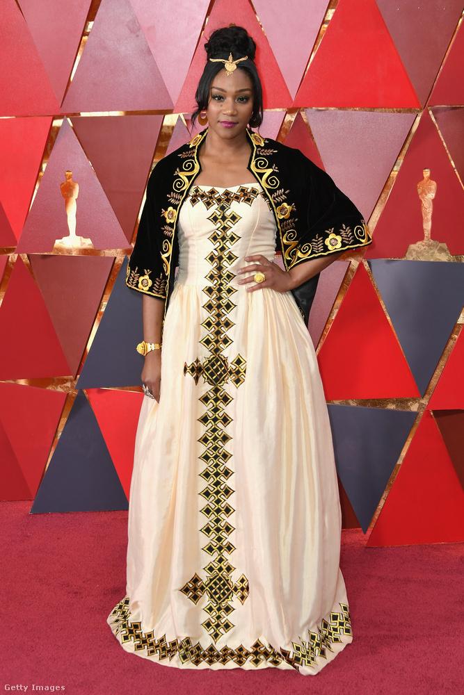 Tiffany Haddish mintha a Fekete Párduc premierjéről érkezett volna az Oscar-gálára.