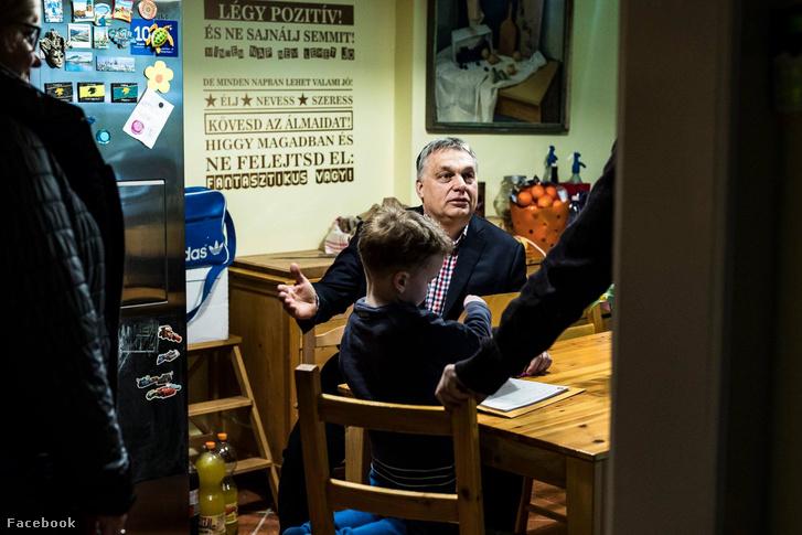 Orbán Viktor Bicskén