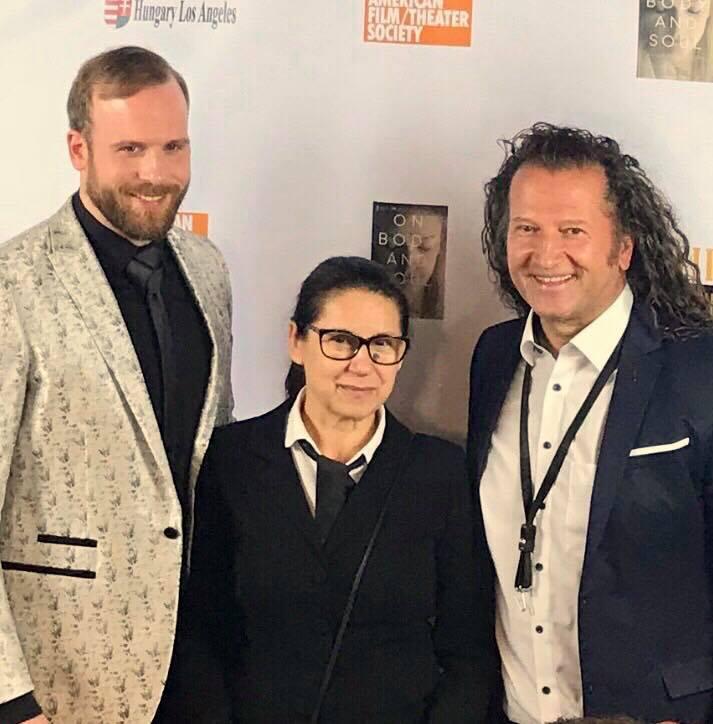 Szombaton koncertet adott a The Bel Air Crest Club House-ban fiával, Szentmártoni Normannal az Enyedi Ildikó tiszteletére rendezett Oscar-előpartin.