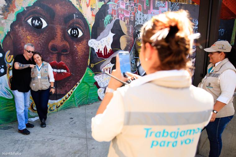 YouTube csatornát indított, amin keresztül egyfelől a fiatalokat próbálja elrettenteni a bűnözéstől, másfelől pedig a dél-amerikai kormányokat kritizálja