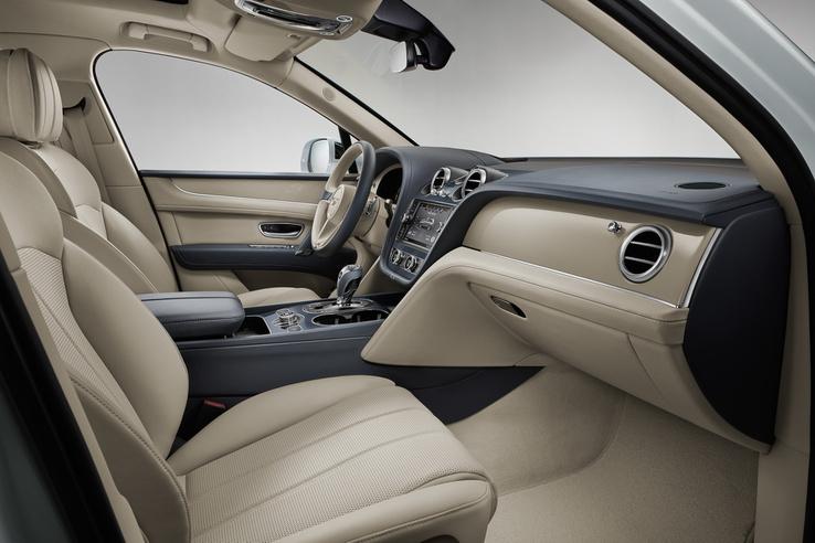Nincs változás a Bentley SUV utasterében