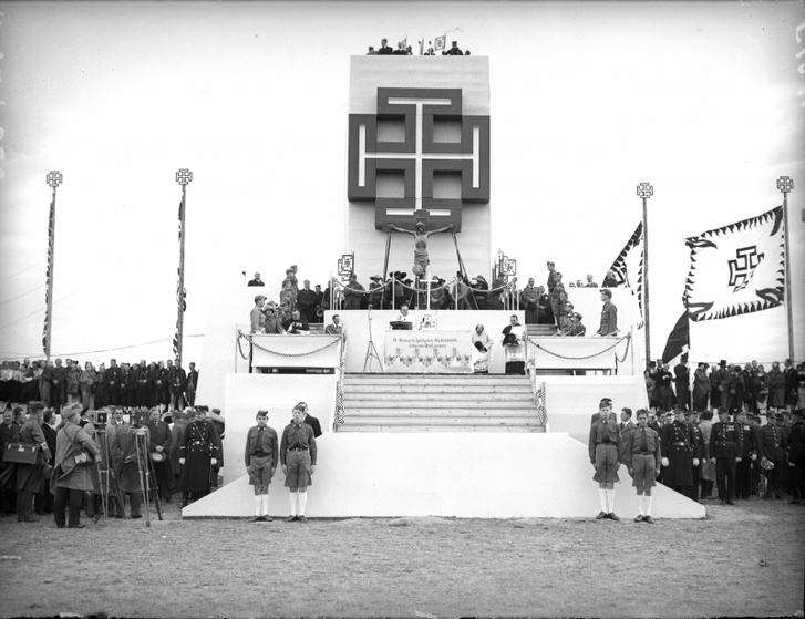 A Hazafias Front gyűlése 1936. október 18-án.