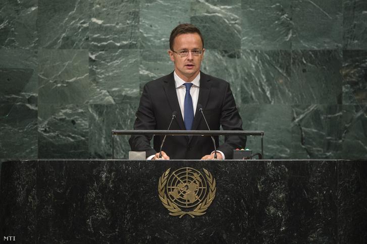 Szijjártó Péter külgazdasági és külügyminiszter felszólal az ENSZ Közgyûlésének általános vitáján New Yorkban 2016. szeptember 23-án.