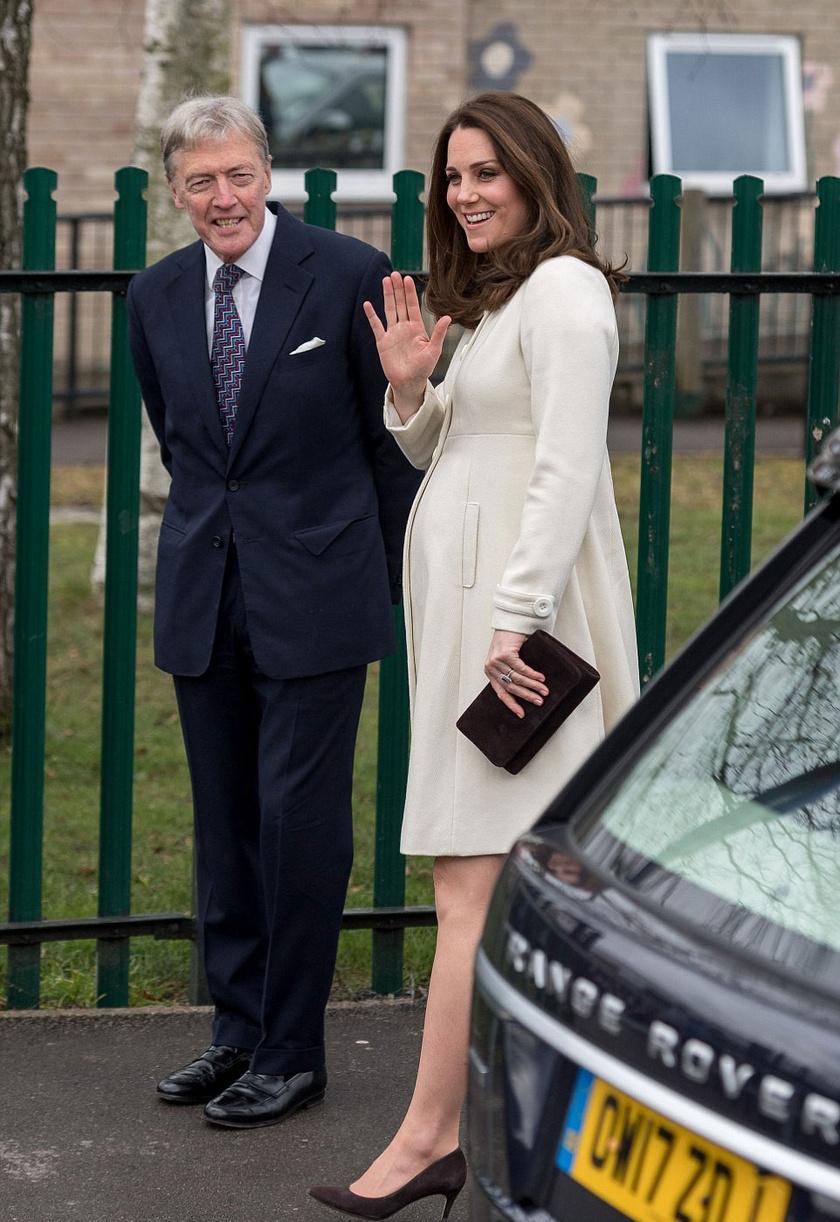Katalin hercegné pocakja már ilyen nagy. Nem csoda, hiszen alig néhány hét múlva világra hozza a kisbabáját.