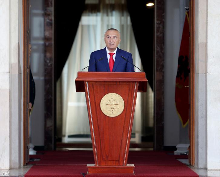 Illir Meta államfő Tiranában az elnöki beiktatása ceremónián 2017. július 24-én. A köztársasági elnök akadályozta meg a legutóbbi tárgyalásokat Görögországgal.