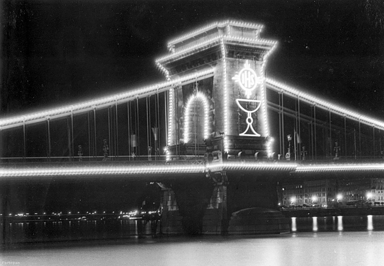 Az 1938-as Eucharisztikus Világkongresszus az egész várost átformálta. Volt ahol véglegesen – ekkor kövezték le teljesen az addig részben parkos Hősök terét –, volt ahol csak időlegesen. Ennyi fénytechnikát azelőtt biztos nem látott még Budapest. A Gellért-hegy tetején ragyogó kereszt mellett természetesen a Lánchíd is különleges díszkivilágítást kapott.
