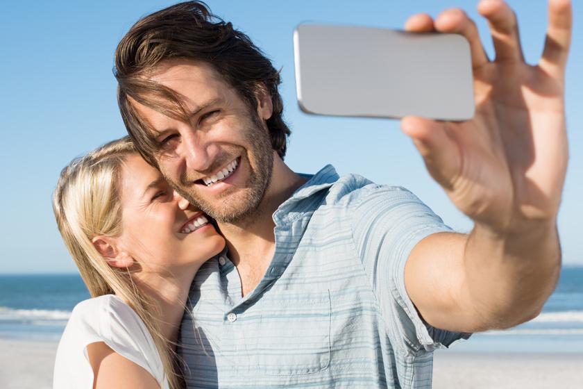 Kiderült, mit kompenzál az, aki sok közös fotót posztol a párjával - Szakértők elemezték