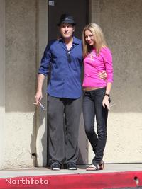 Charlie Sheen és az új nője