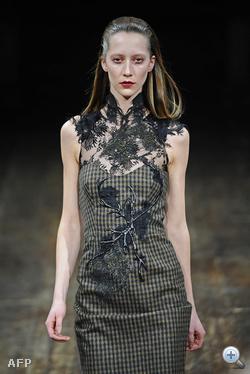 Julien Macdonald divatbemutatója