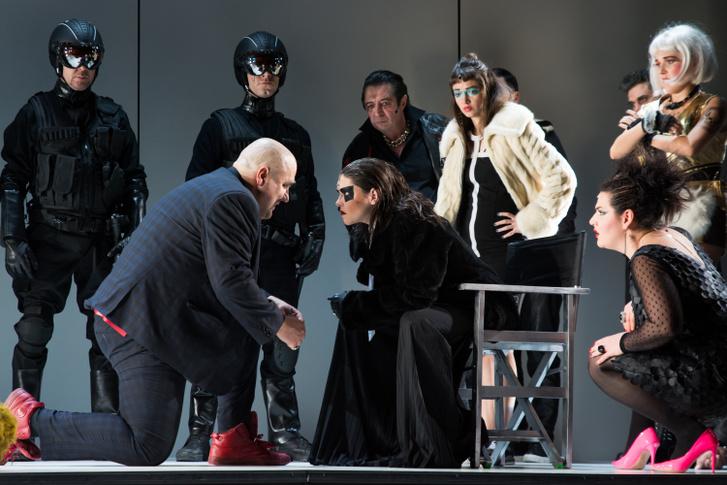 Tévedések vígjátéka, Az előadás április 18-án, szerdán 19:00 órától látható a Thália Színház Nagyszínpadán