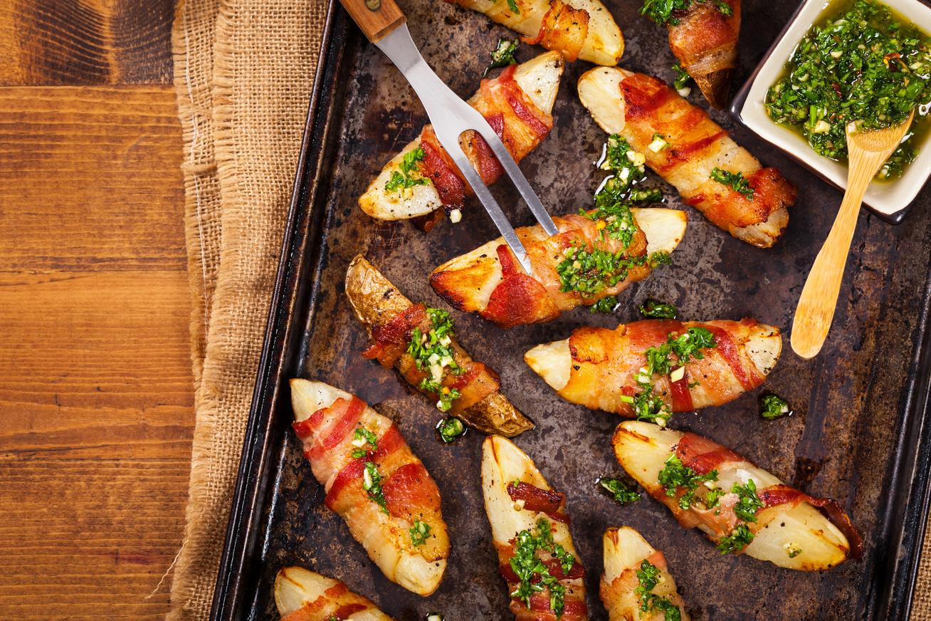 Ropogós, fűszeres krumpli baconben sütve, ahogy még nem készítetted