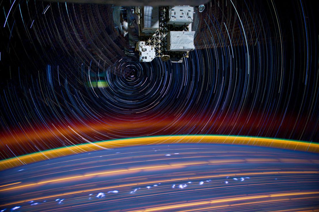 Fénycsíkok a Földön az ISS fedélzetéről fotózva