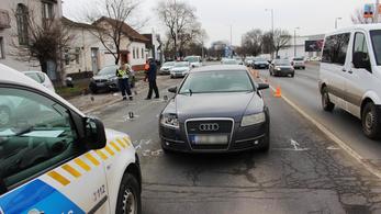 Frontális karambol Szegednél: egy halott, két sérült