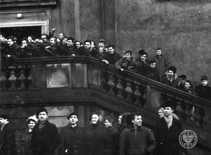 Diáktüntetők Varsóban 1968 márciusában