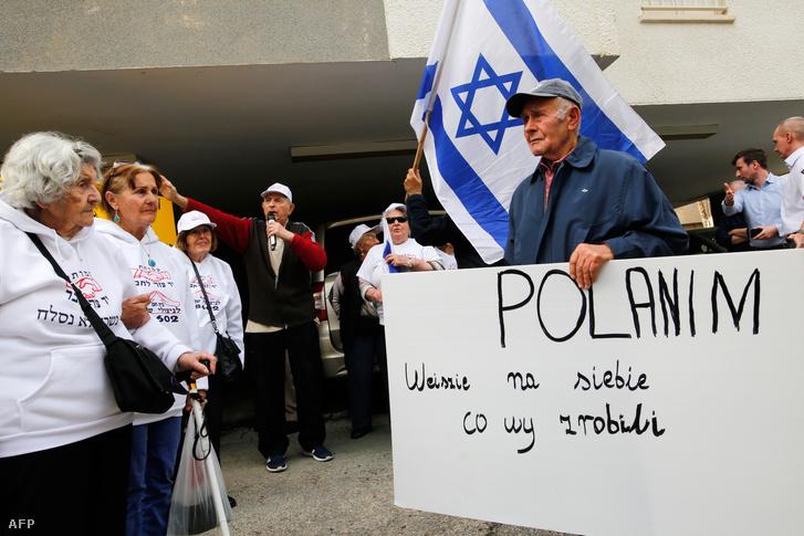 Holokauszt túlélők tiltakoznak Izraelben a lengyel törvény ellen
