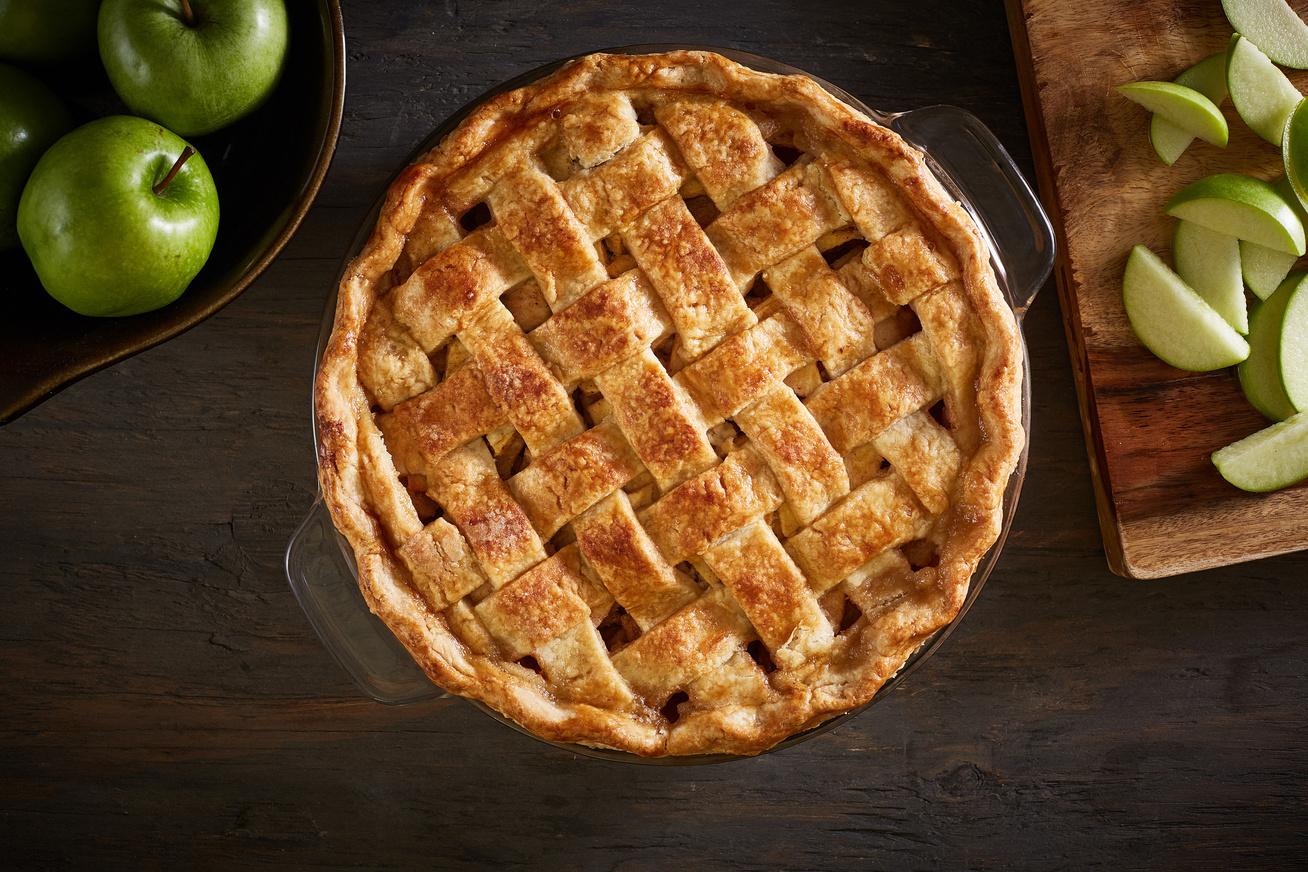 Elronthatatlan, karamellás almás pite: így lesz igazán omlós a tészta