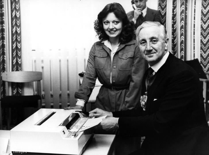 1980. november 10.: Sir Ronald Garnier-Thorpe, London polgármestere üzenetet küld New York polgármesterének, Nagy-Britannia első nemzetközi faxszolgáltatóján, a British Telecom faxgépén keresztül.