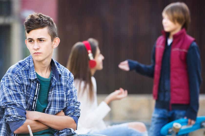 A másodszülött mindig sérül - Hogy védd meg a gyermeket a családban?