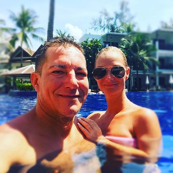 Németh Kristóf és kedvese, Zita a medencében lubickoltak együtt - látszik, hogy nagy a szerelem.