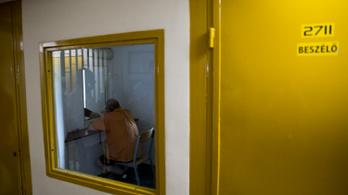 Év végéig felfüggesztené a börtönkártérítések kifizetését egy törvényjavaslat