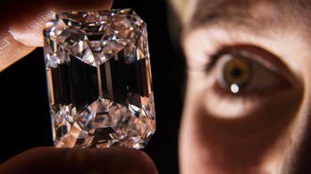 A Földön eddig sose látott jégtípust találtak gyémántba zárva