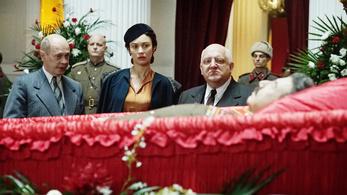 Ki fogja meg az összehugyozott diktátort?