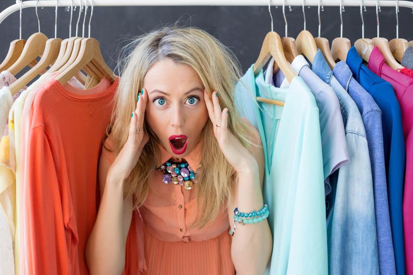 Ki kell mosni az új ruhát vásárlás után? A bőrgyógyászok elmondták, mire kell figyelni
