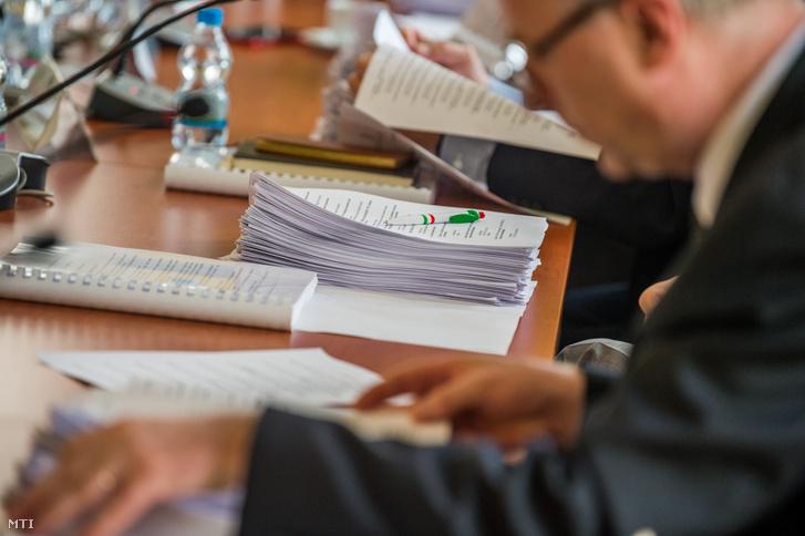 A Nemzeti Választási Bizottság (NVB) ülése Budapesten a Nemzeti Választási Iroda (NVI) székházában 2018. március 9-én.