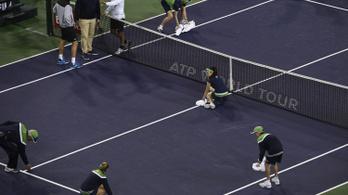 Félbeszakadt Roger Federer meccse