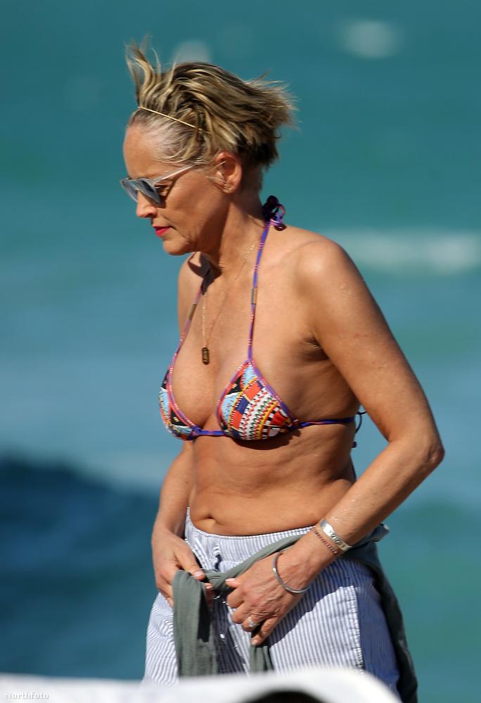 Stone a kerek évfordulót Miami egyik tengerpartján ünnepelte...