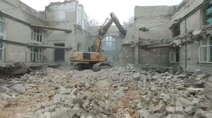 Egy vágókép a helyreállítási munkákat bemutató videóból