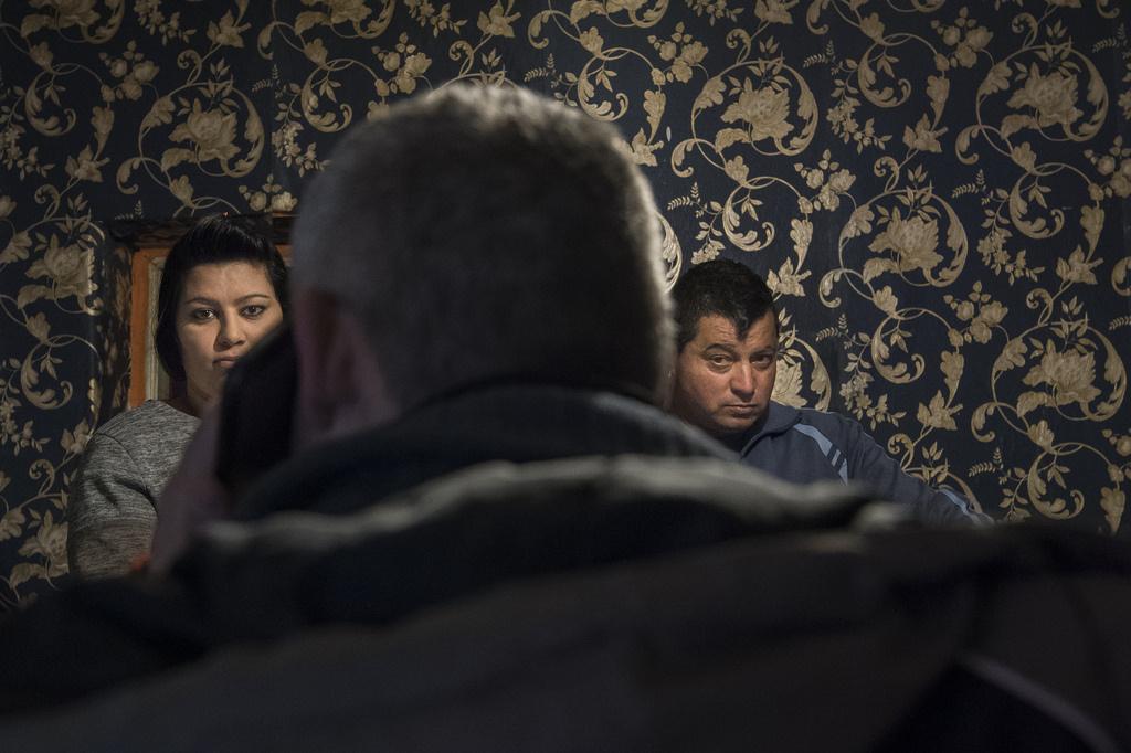 A pacemakerrel élő tizenéves Patríciának egyeztet időpontot Zsolt egy fővárosi kórházba