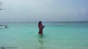 Vajna Tímea eldobja a bikinifelsőt a mai Instahíradóban