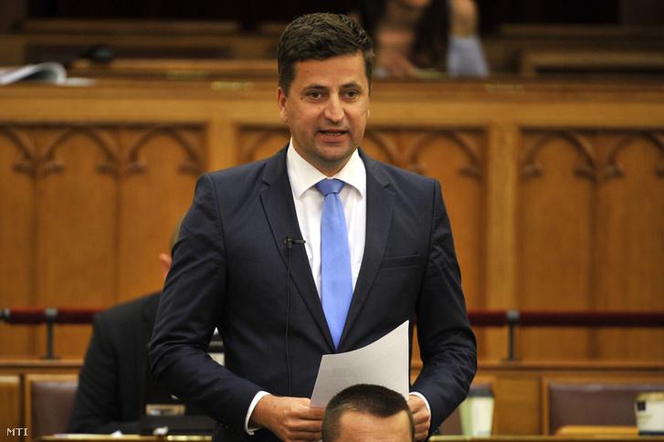 Kepli Lajos a Jobbik képviselője azonnali kérdést tesz fel az Országgyűlés plenáris ülésén 2017. május 29-én.