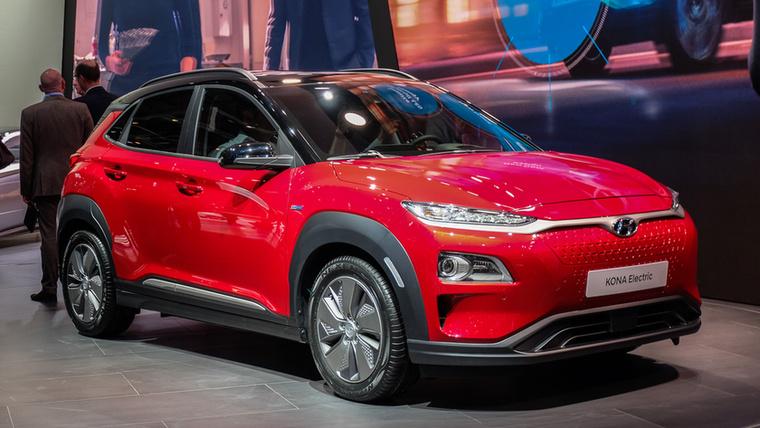 Egy kicsit testközelibb Hyundai-újdonság a szalonról: Kona EV