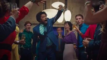 Egy telemarketingesről is lehet őrült filmet forgatni