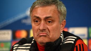 Beszólt Mourinhónak a legrosszabb PL-edző, nem teszi zsebre, amit kapott