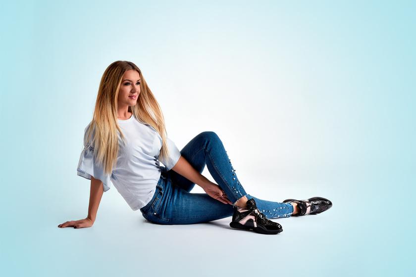 A legstílusosabb tavaszi cipők: ezek biztos nem jönnek veled szembe az utcán - Hódi Pamela is büszkén viseli őket (x)