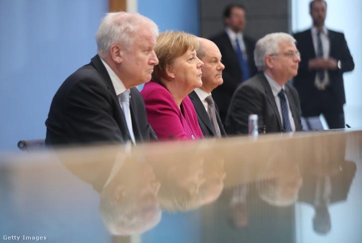 Horst Seehofer, Angela Merkel és Olaf Scholz