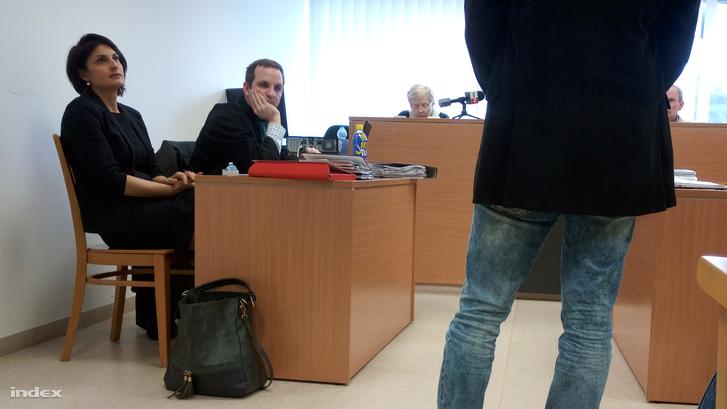 A tanú beszél a tárgyaláson