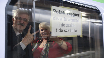 Varsóból már elindultak a Békemenetre