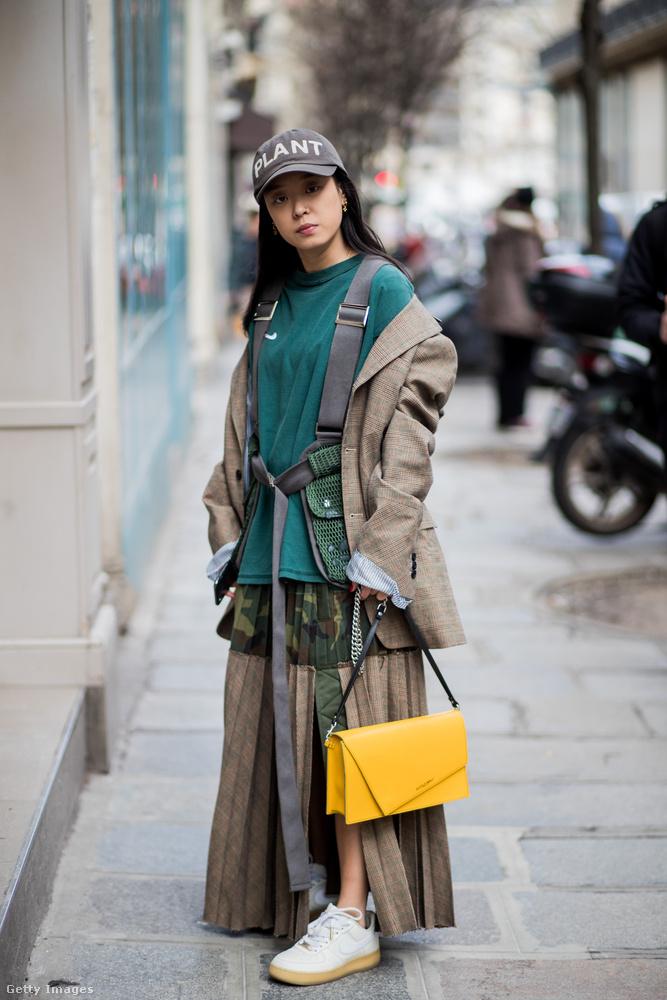 Ugye mennyit dob a sárga táska egy ilyen föld színeket kapott szetten?
