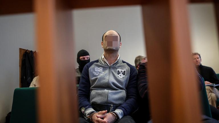 Hét év fegyházat kapott a röszkei terroristaper vádlottja, Ahmed H.